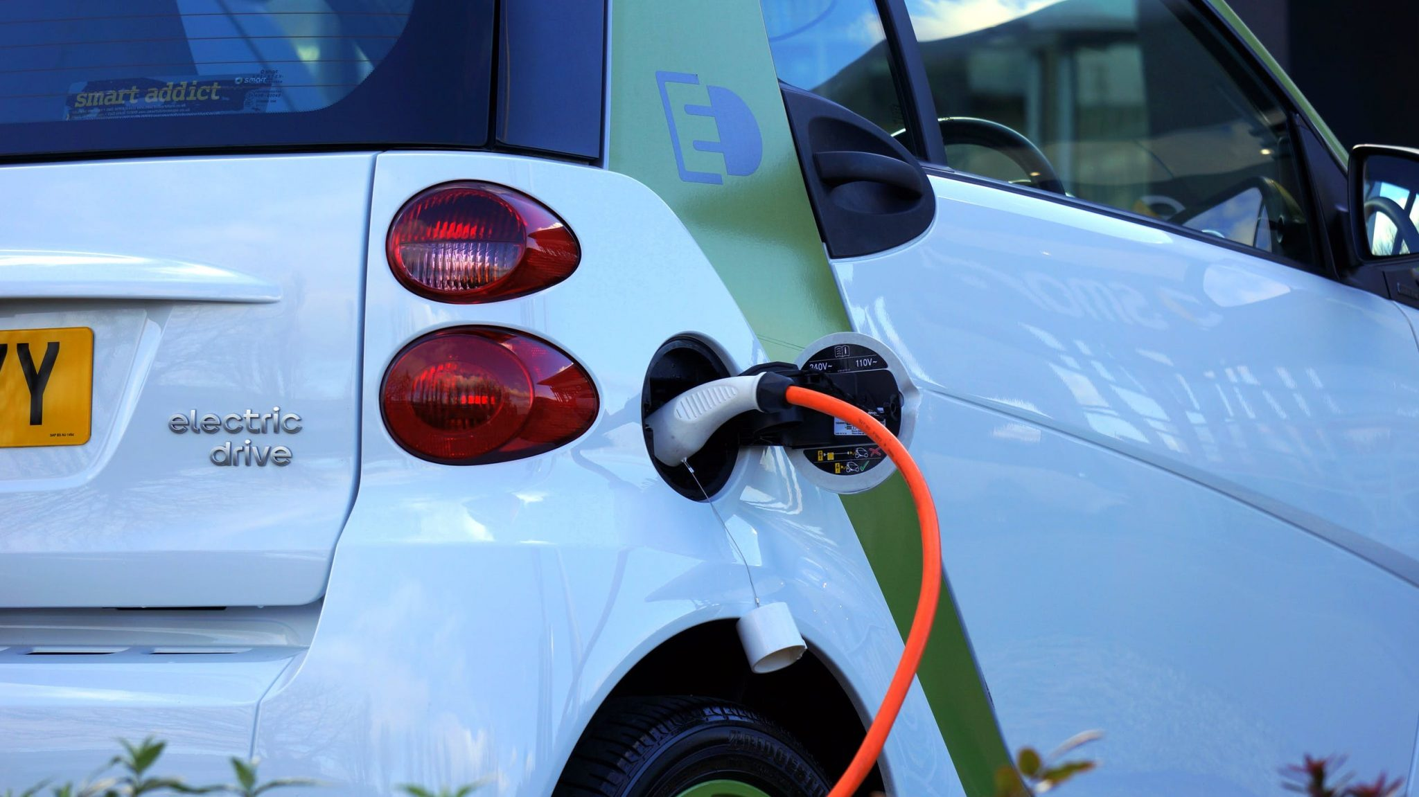 5 Great Electric Cars to Consider in 2018
